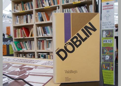 Alfred Döblins Wallenstein-Roman in der 1981er Übersetzung von Vratislav Slezák