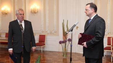 Rücktritt: Nečas bei Zeman